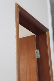 Guarnição de madeira para porta preço