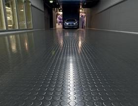 Instalação de piso pastilhado